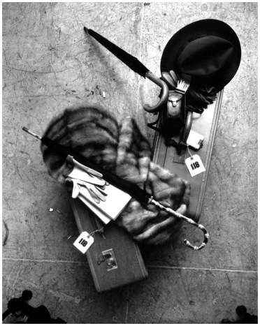 irving-penn-vogue-luggage-new-york-march-24-1948